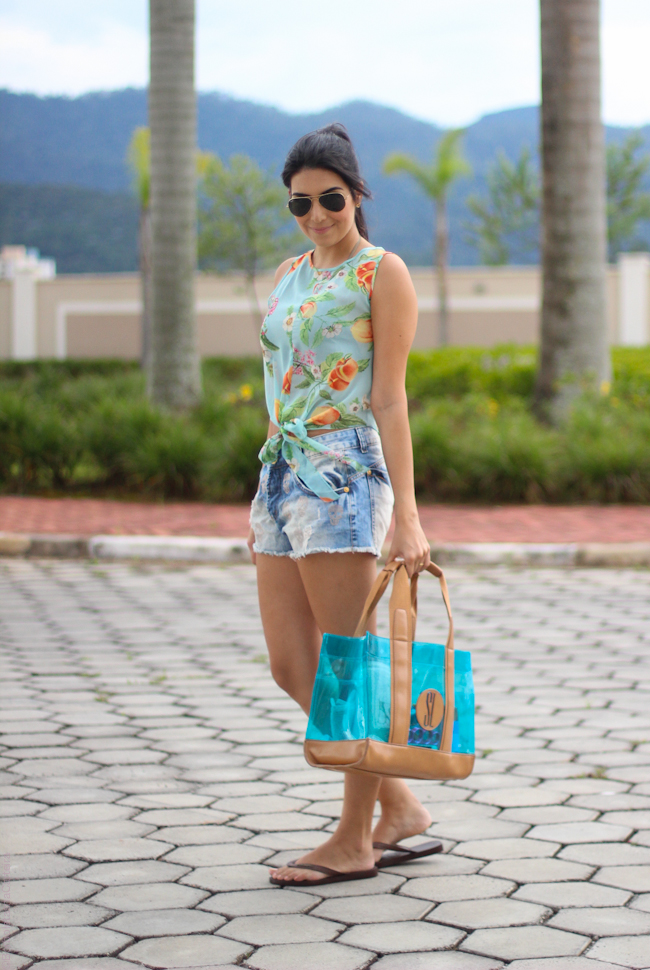 look do dia piscina top cropped short jeans borboletas na carteia-4