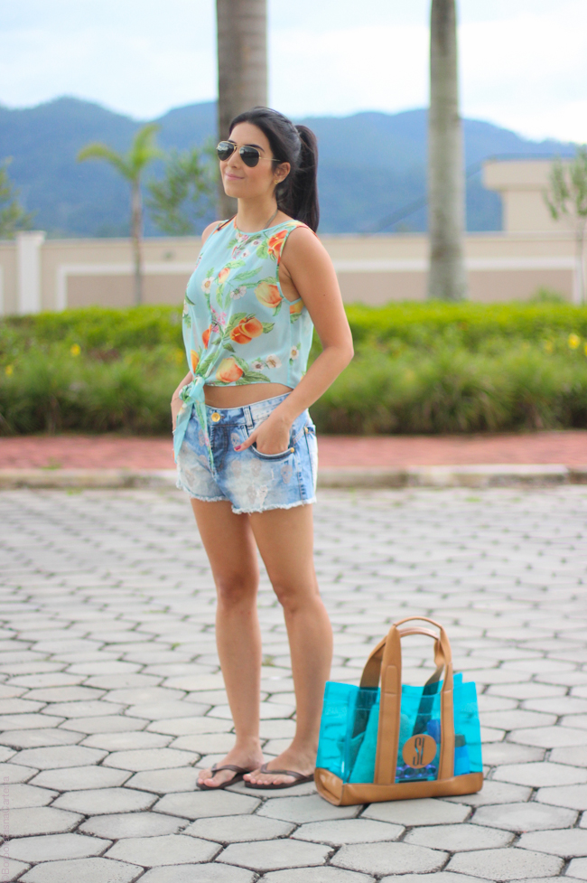 look do dia piscina top cropped short jeans borboletas na carteia-5