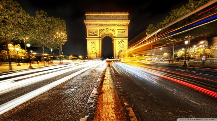 arc-de-triomphe-at-night-long-exposure-road-images