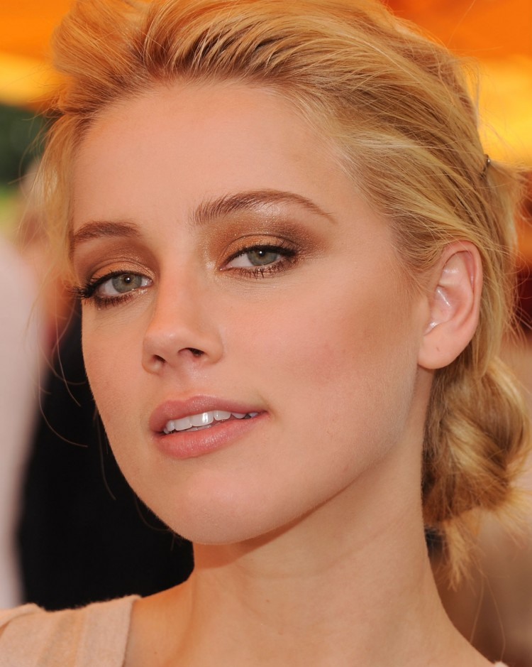 NEW YORK, NY - JUNE 05: Amber Heard attends the Veuve Clicquot Polo Classic at Governor's Island on June 5, 2011 in New York City. (Photo by Dimitrios Kambouris/Getty Images for Veuve Clicquot Polo Classic)
